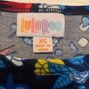 LuLaRoe Tops - LulaRoe XS Irma